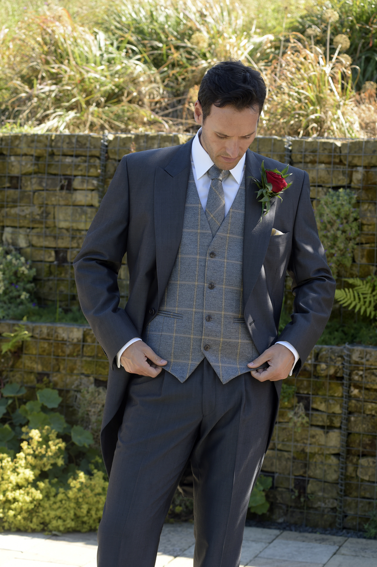 tweed-suit-hire-leigh